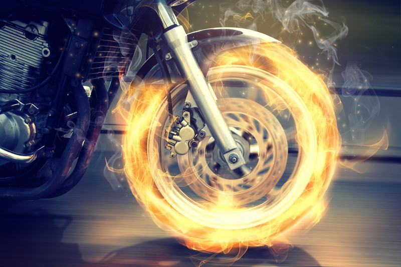 燃えるタイヤ
